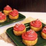 Muffinki z kremem truskawkowym – pyszne wegańskie babeczki