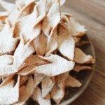 Pieczone faworki – chrust z piekarnika bez jajek